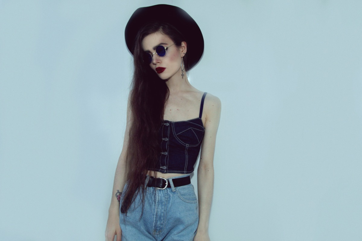 Are ultra-thin fashion bloggers encouraging young women to starvethemselves?